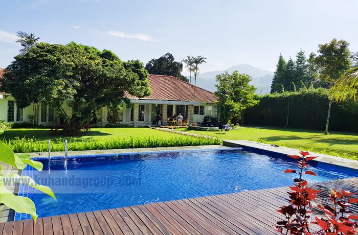 Kolam Renang Villa Navina Puncak Bogro I Bapak H. Nurdin